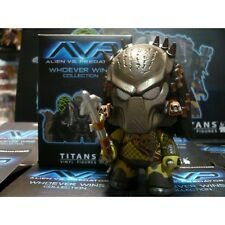 AVP ALIEN VS PREDATOR COLLECTION - WOLF PREDATOR VINYL ACTION FIGURE TITAN