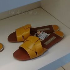 ZARA NEW S/S 2018. MUSTARD LEATHER CROSSOVER FLAT SANDALS. REF 2650/301.