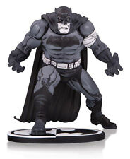 PREOEDINE!!! BATMAN BLACK & WHITE BY KLAUS JANSON STATUA DC DIRECT  (62746)