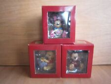 DISNEY SHOWCASE COLLECTION MICKEY/MINNIE MOUSE WHINNE THE POOH FIGURINE**NEW**