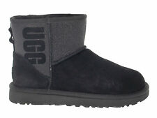 Ankle boot UGG AUSTRALIA 8452 in black suede leather - Women's Shoes