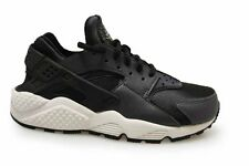 Womens Nike Huarache Run SE - 859429001 - Black White Trainers