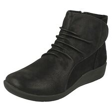 Clarks Mujer NUBE Steppers Botas ' Sillian FRENTE / '