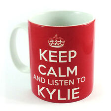 KEEP CALM AND LISTEN TO KYLIE GIFT MUG CARRY ON COOL BRITANNIA RETRO CUP MINOGUE