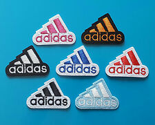 ECUSSON (PATCH) BRODE / ADIDAS / THERMOCOLLANT / TAILLE 5,2 X 3,5 CM
