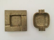 PAIR OF 2 INDIA BRASS ENGRAVED ETCHED DESIGN VINTAGE SQUARE ASHTRAYS