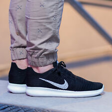 Nike Free RN Run Flyknit ® Running Trainers ( UK Size 7 EUR 41 ) Black / White