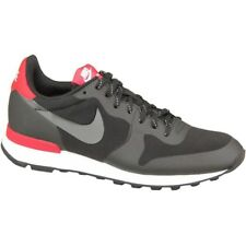 Nike Wmns Internationalist 749556002 noir baskets basses