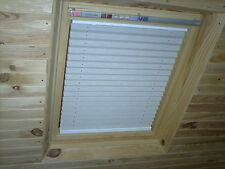 SKYLIGHT PLEATED ROOF BLINDS TO FIT VELUX WINDOWS SIZES - GGL 1 or M04 or 304