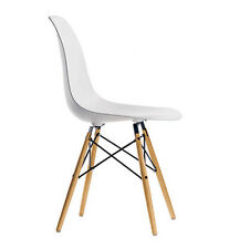 VITRA DSW sedia Eames Plastic Side Chair by Charles & Ray Eames base in acero