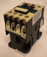 AC CONTACTOR 230V COIL 3 POLE  + 1 N/O AUX CONTACT DIN INDUSTRIAL  CHINT 0910