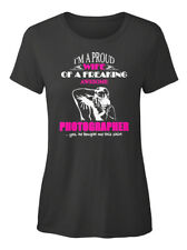 Im A Proud Wife Of Freaking - I'm Awesome T-shirt Élégant pour Femme