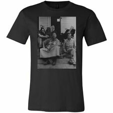 The Texas Chainsaw Massacre T-Shirt - v2 - The Saw is Family Photo