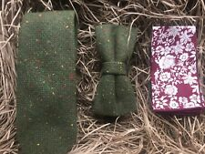 Moss Green Mens Tie, Bow Tie and Pocket Square perfect for weddings. UK