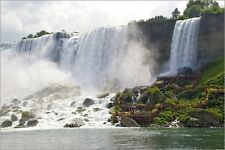 Poster / Leinwandbild Niagara Falls. Tourists use cliff-side walk... - F. Lord