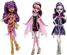 Monster High Haunted - Clawdeen Wolf - Spectra Vondergeist - Draculaura Dolls