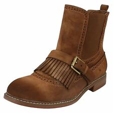 LADIES DOWN TO EARTH TAN BOOTS F50568