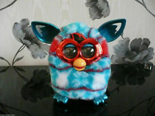 HASBRO FURBY BOOM CHRISTMAS FESTIVE SWEATER TRIANGLES DIAGONAL STRIPES PET TOY