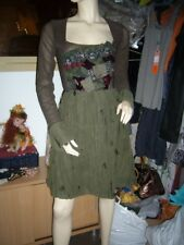 robe modèle «A/W 10» - collection automne/hiver 2010-2011SAVE THE QUEEN
