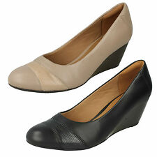 Damen Clarks Leder Slipper am Keil formelle Works Smart Pumps Brielle Tacha