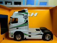 1:32 Scale Volvo FH12 Globetrotter XL, Welly Super Haulier Model, Code 3