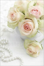 Póster, lienzo o cuadro en metacrilato Pastel-colored roses with pearls