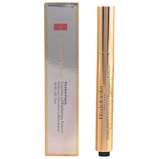 Iluminando Impecable Finish Elizabeth Arden