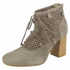 Ladies Clarks Block Heel Ankle Boots 'Jazlyn Berry'