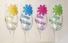 Personalised 40th Birthday Gift -Wine Glass with Glitter Daisy Design 30th 50th