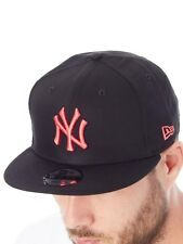 New Era Black-Lava Red League Essential 9Fifty - New York Yankees Snapback Cap