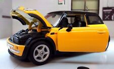 1:24 Escala 2000 BMW Mini Cooper escotilla 1.4 1.6 Amarillo Welly