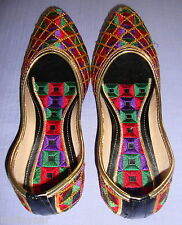Thread Embroidered hand made punjabi jutti shoes bridal wear PJ9712
