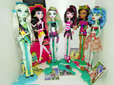 Monster High Gloom Beach Scull Shores Draculaura Clawdeen Wolf Ghoulia Yelps etc