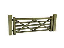 LASER CUT FARM / GARDEN GATES & POSTS OO SCALE / 1:76 MODEL RAILWAY SCENERY