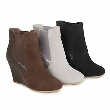 Brinley Co Womens Round Toe Faux Suede Faux Snake Wedge Booties New