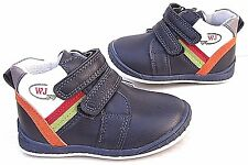 NEW BOYS KIDS BABY LEATHER LINED BLACK TOE CAPS TRAINERS WALK BOOTS STRAPS SHOES