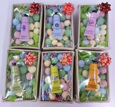 Crabtree & Evelyn Luxury Hand Cream and 40 Mixed Scent Mini Bath Bombs Marble