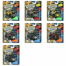 Hot Wheels Monster Jam 1:64 Scale Die-Cast Vehicle Monster Truck with Stunt Ramp