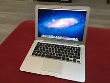 "Apple MacBook Air 13.3"" 1.8GHz Intel Core 2 Duo * 2GB RAM * 64GB SSD * MagSafe"