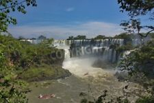 """Bildmotiv """"view of the Iguazu Falls and boats with tourists from Argentina"""""""