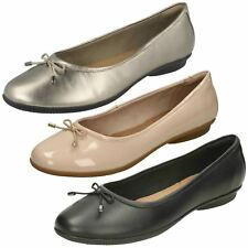 Ladies Clarks Ballerina With Bow Slip On Leather/Synthetic Flats Gracelin Blu