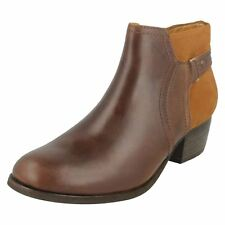 Ladies Clarks Casual Heeled Zip Up Leather Ankle Boots Maypearl Lilac