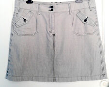 """""""M&S"""" grey & white fine stripe jean-style skirt size: 16 - pre owned"""