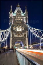 Poster / Leinwandbild Long exposure of traffic over Tower Brid... - C. Harding