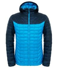 The North Face Thermoball Hoodie Giacche isolata