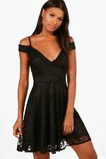 Boohoo Lucie Cold Shoulder Lace Skater Dress para Mujer