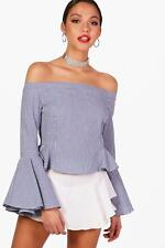 Boohoo Mary Flute Sleeve Off The Shoulder Chambray Top per Donna