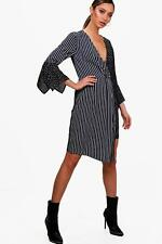 Boohoo Carlie Mixed Print Wrap Front Midi Dress para Mujer