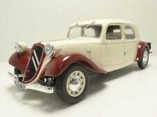 CITROEN TRACTION 11CV beige & bordeaux 1/18