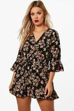 Boohoo Plus Abbie Floral Woven Playsuit para Mujer